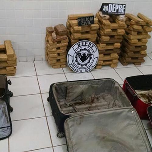 Polícia apreende 120 kg de maconha e prende 2 suspeitos