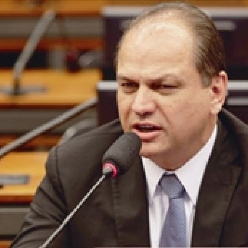 Relator propõe corte de R$ 10 bilhões do Bolsa Família