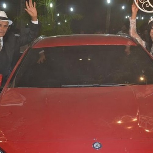 Stefhany ganha carro importado no dia do casamento