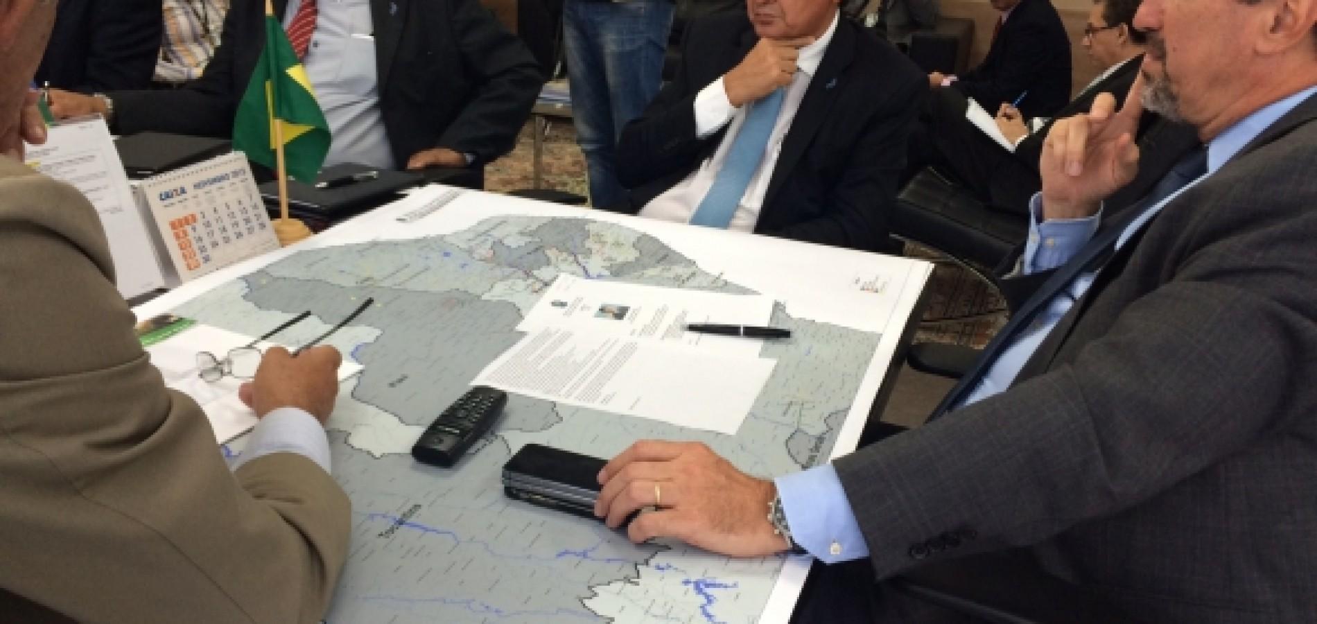 Wellington discute soluções para estiagem com ministro Gilberto Occhi