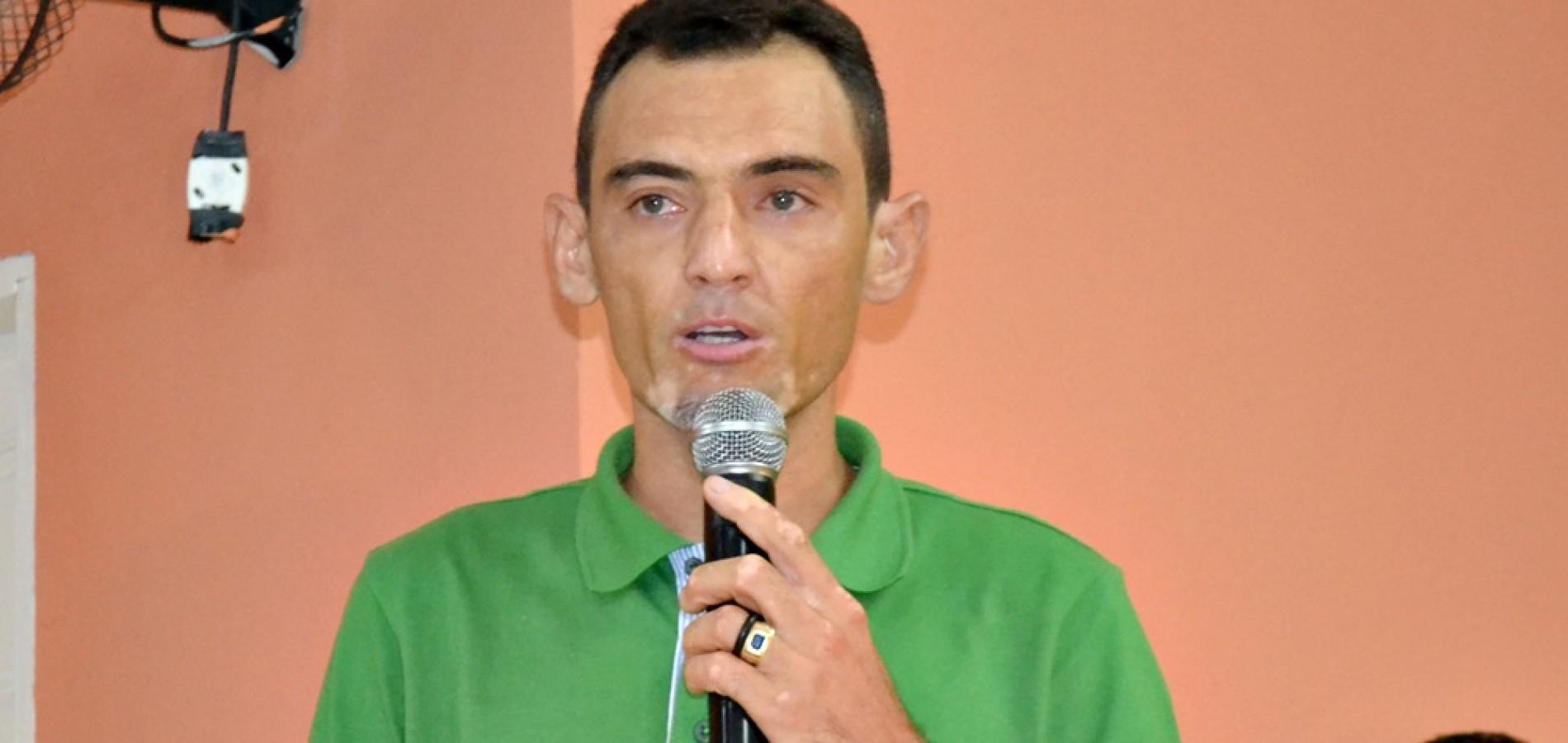 Vice-prefeito de Jaicós é denunciado ao MP e TCE por acúmulo de cargos