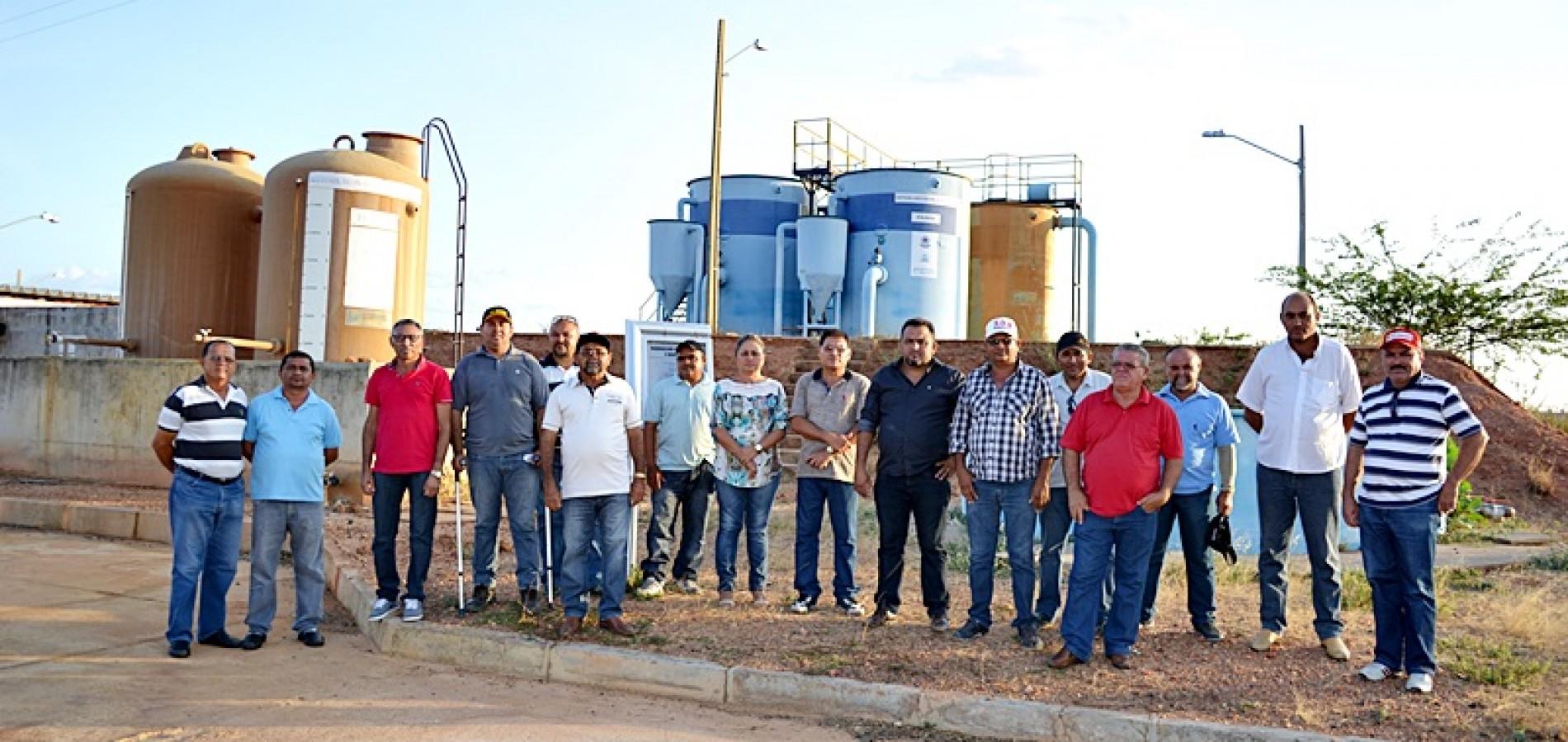 Com cidades sem água, comitivas de Simões e Curral Novo visitam barragem Poço de Marruá