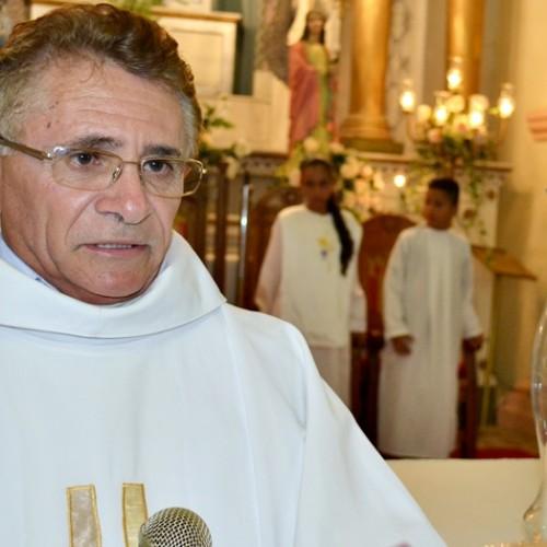 Bispo anuncia padre para residir em Alagoinha do Piauí