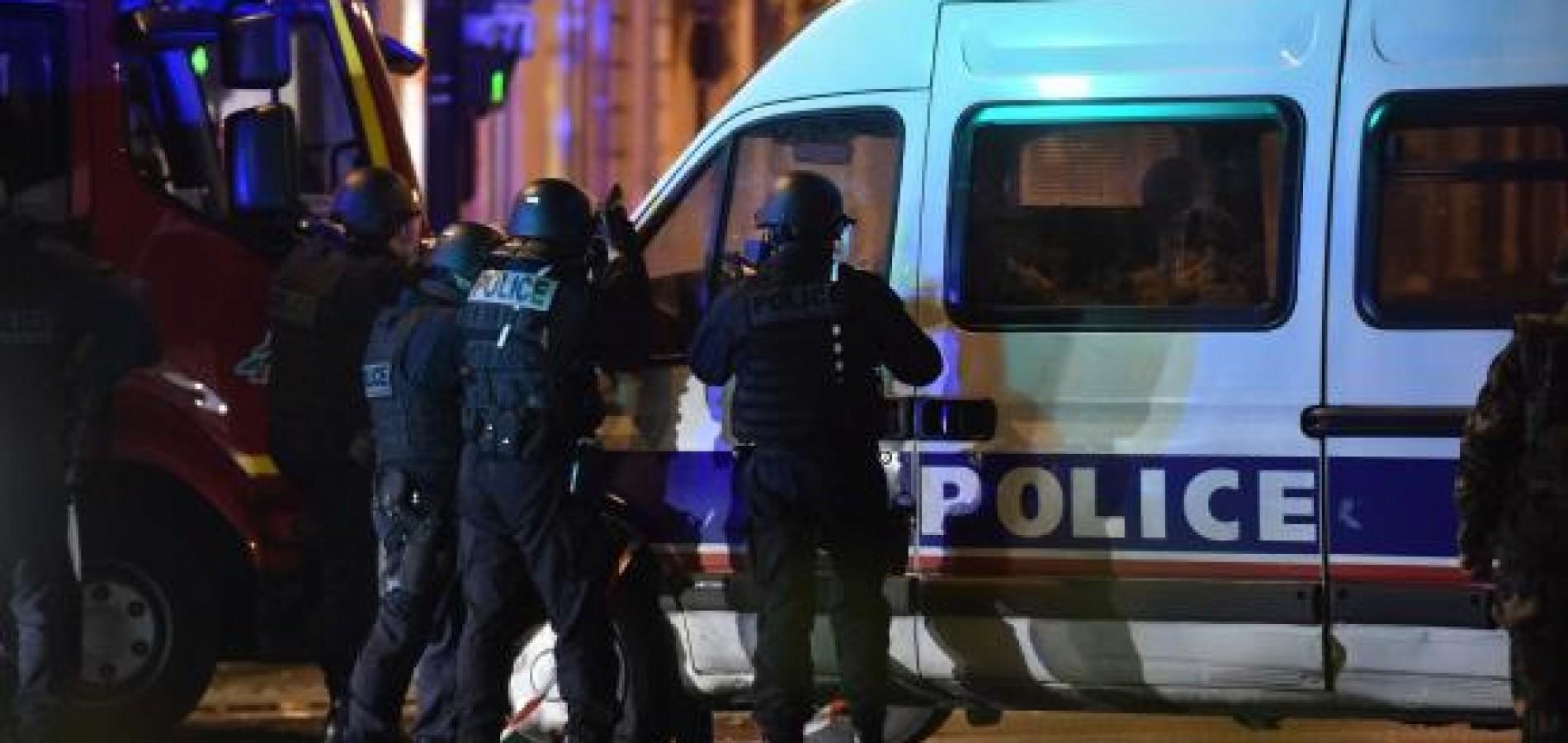 Atentados em Paris têm mais de 120 mortos e 180 feridos