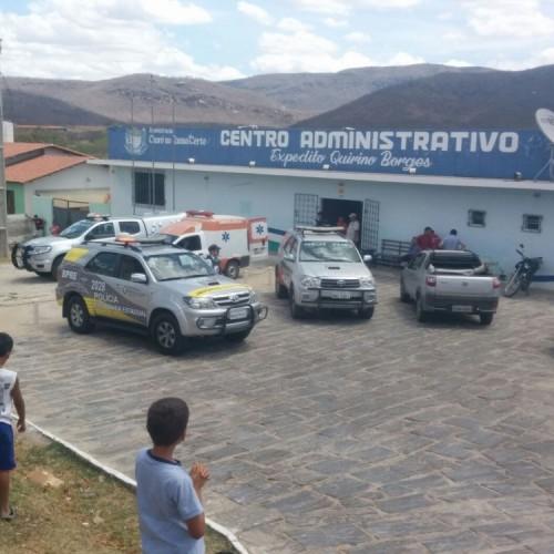 Vice-prefeito é morto no Ceará após ser mantido refém dentro da Prefeitura; veja fotos