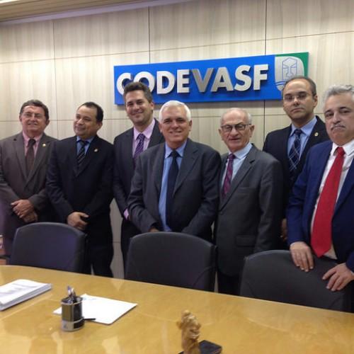 Presidente da Codevasf e bancada estadual discutem combate à seca no Piauí