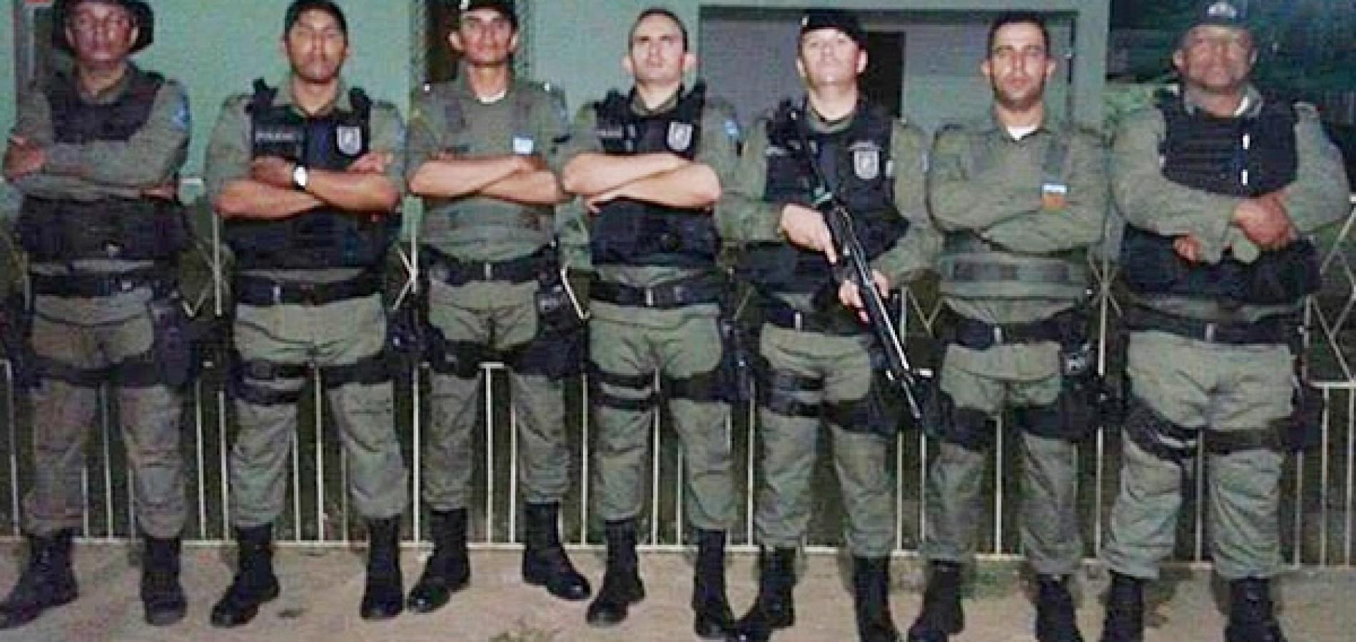 Novos policiais militares participam de operação e apreendem motos irregulares e arma