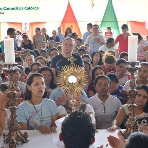 Congresso Diocesano da Renovação Carismática Católica reúne centenas de pessoas em Picos