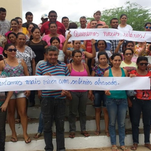 Servidores de cidade do Piauí cruzam os braços contra atraso de salários