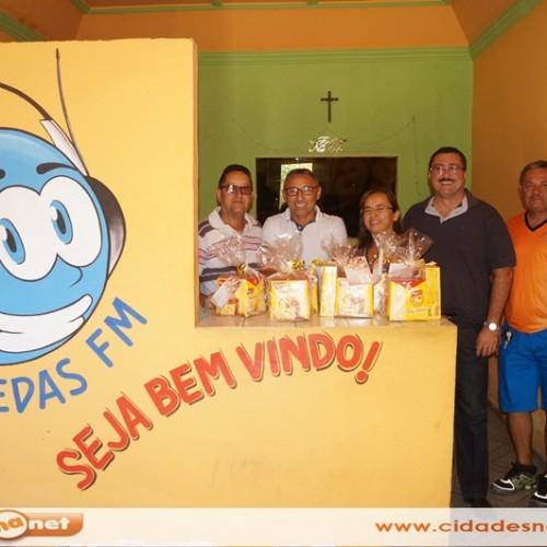 SIMÕES | Doge e Edilberto participam de programa no rádio, listam conquistas e anunciam novos investimentos