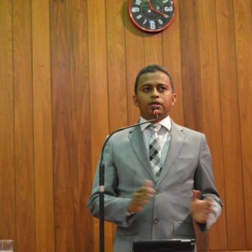 Francisco Costa apresenta balanço de ações da Saúde para Assembleia