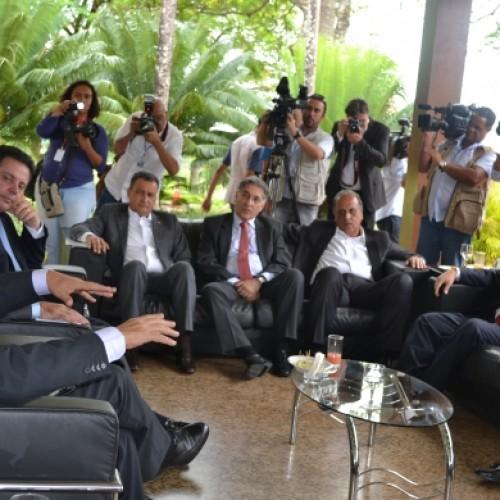 Wellington participa de encontro com governadores em Brasília