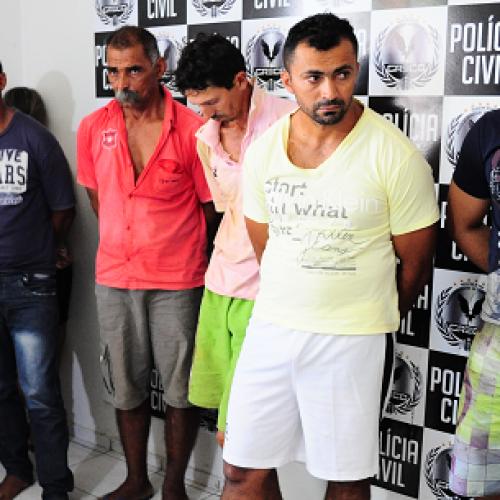 Polícia apresenta os acusados de roubos a carros-fortes no Piauí; fotos!