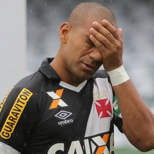 Vasco empata sem gols com o Coritiba e cai para a Série B pela terceira vez