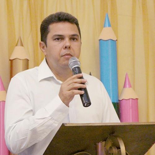 Em entrevista, professor Machado conta as novidades do Colégio Machado de Assis para 2016