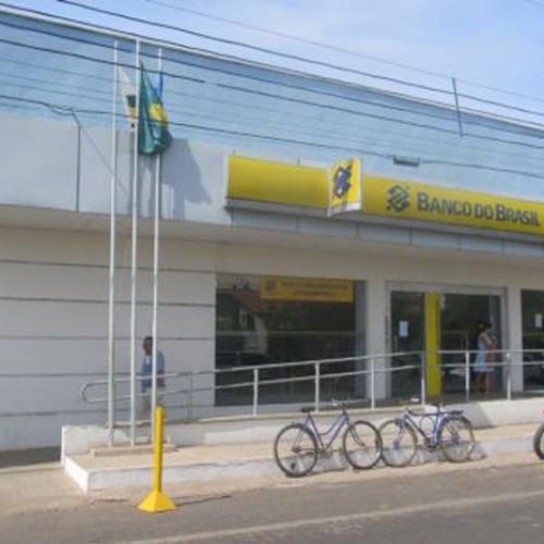Bandidos arrombam cofre e levam dinheiro do Banco do Brasil de Valença do Piauí