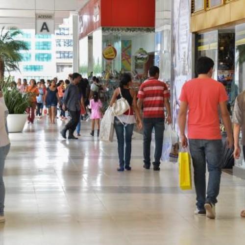 Crise reduziu consumo de nove entre dez brasileiros