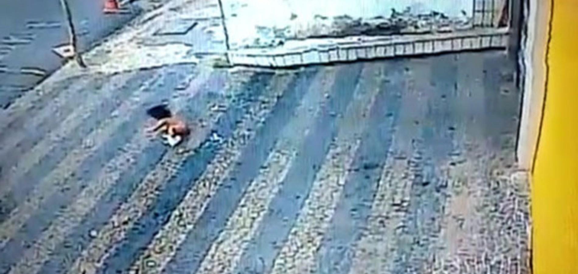 Filha de piauiense de 1 ano cai de terceiro andar de prédio e sobrevive em Fortaleza