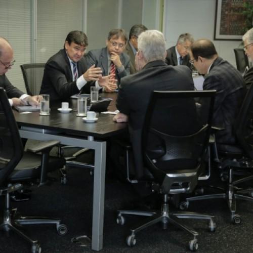 Wellington negocia recursos para abastecimento e mobilidade urbana