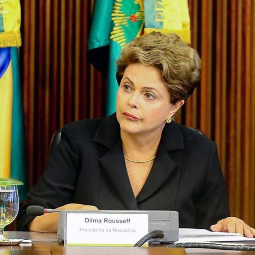 Dilma sanciona lei que amplia de 5 para 20 dias licença-paternidade