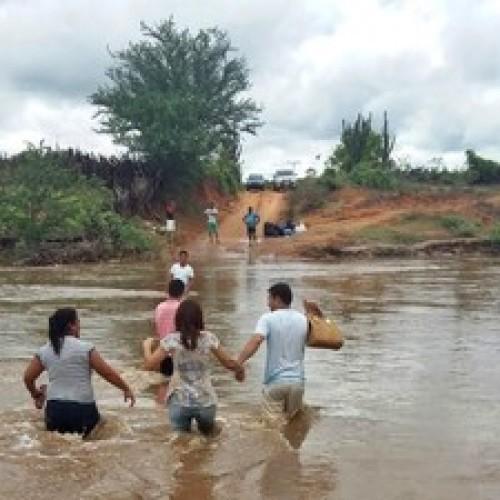 Defesa Civil oferece apoio a municípios atingidos pelas chuvas