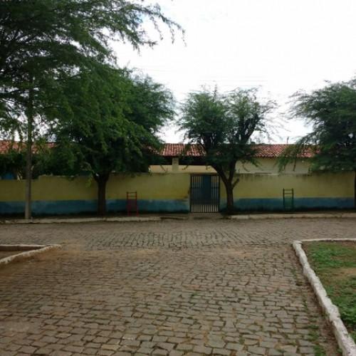 Com professores parados, município não conclui ano letivo de 2015 no Piauí