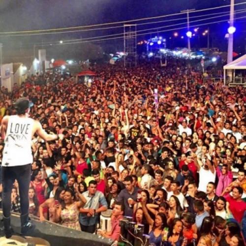 Campo Grande do Piauí comemora 22 anos com grande festa em praça pública; veja fotos