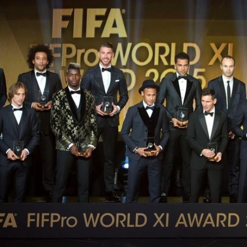 Brasil domina seleção de 2015 com Neymar, Dani Alves, Marcelo e T. Silva