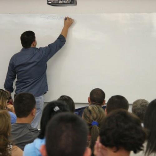 Professores de Fronteiras ganham ação judicial para redução de carga horária