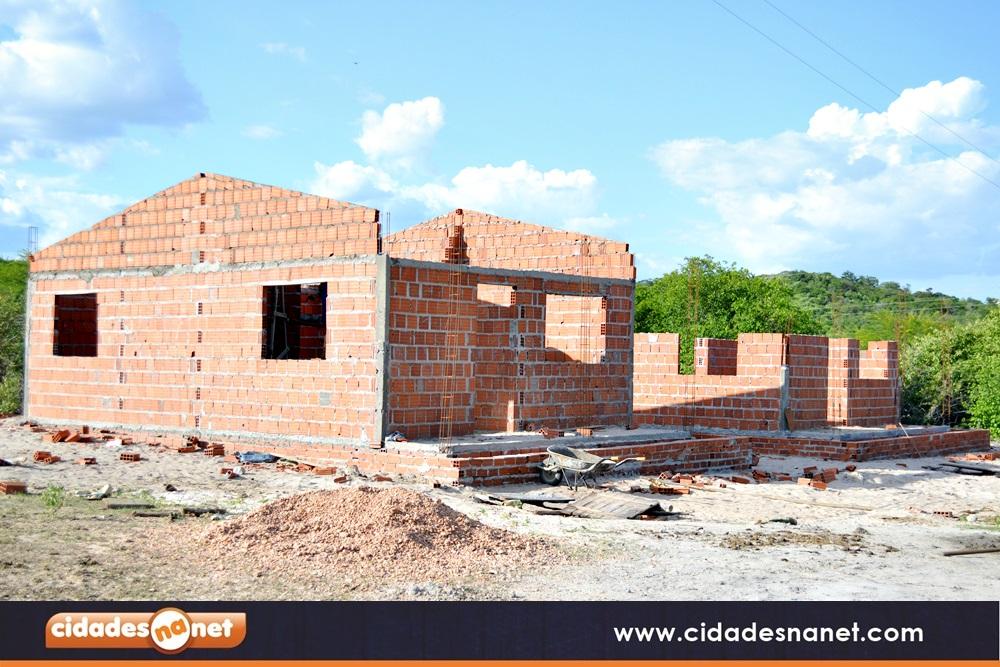 Casas populares em construção