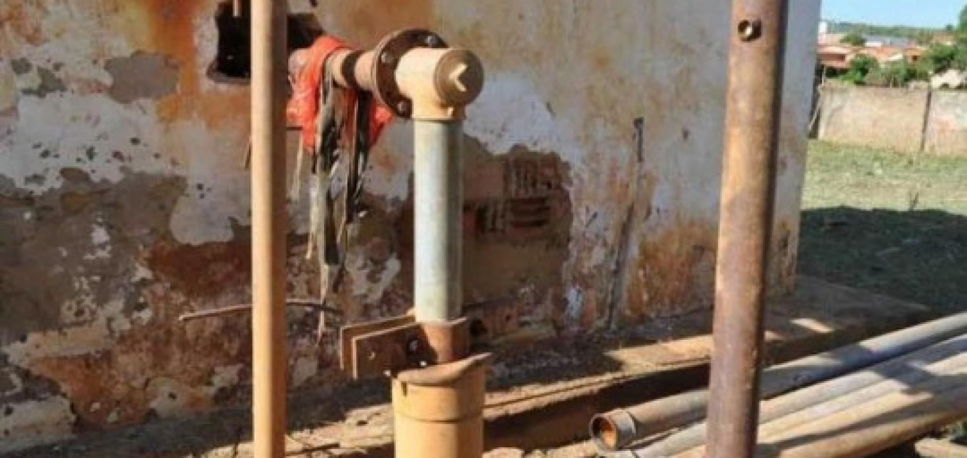 Cerca 1800 pessoas estão sem água em Simplício Mendes