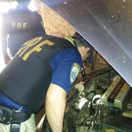 PRF recupera carro roubado em borracharia no Norte do Piauí