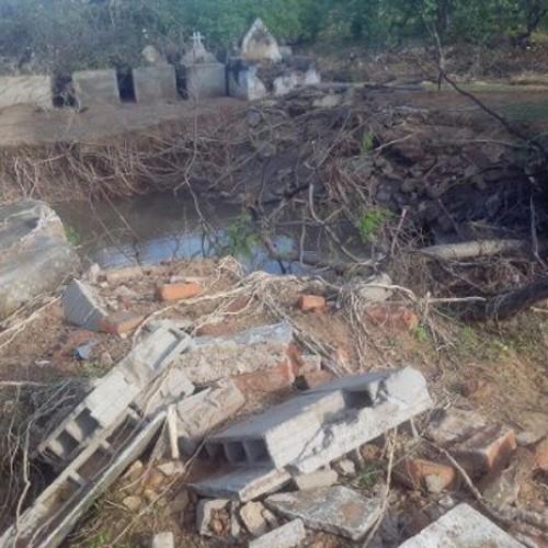Enxurrada em cidade do Piauí destrói cemitério e arrasta cadáveres. Veja!