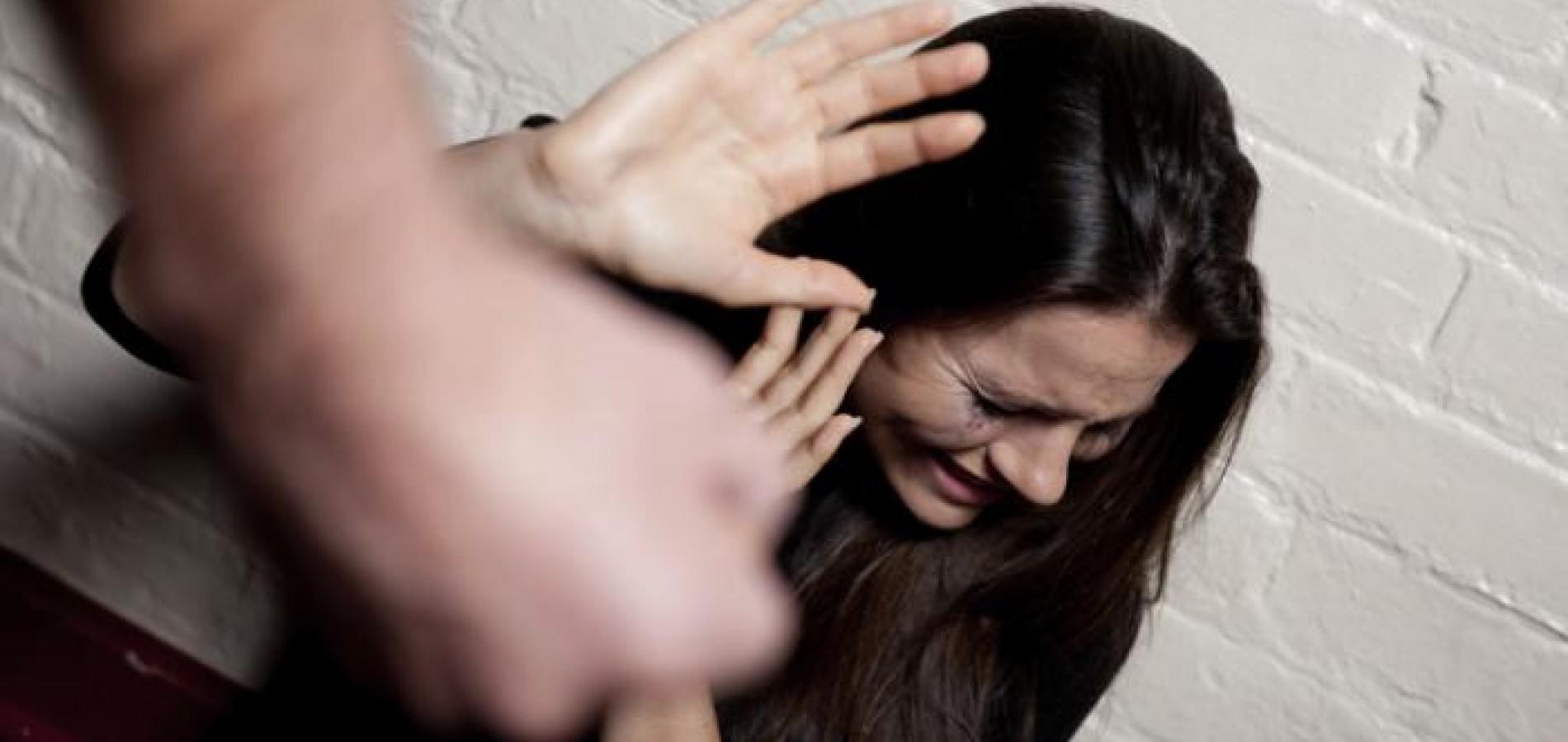 Resultado de imagem para Mulheres vítimas