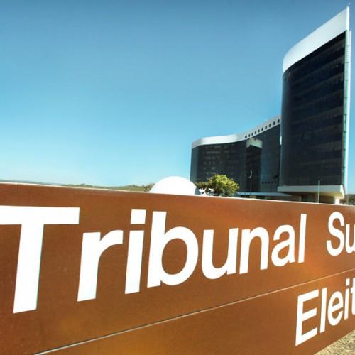 Fux rejeita proposta de Gilmar e eleição seguirá horário local
