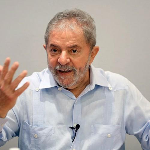 Ex-presidente Lula já articula montar oposição do governo Temer