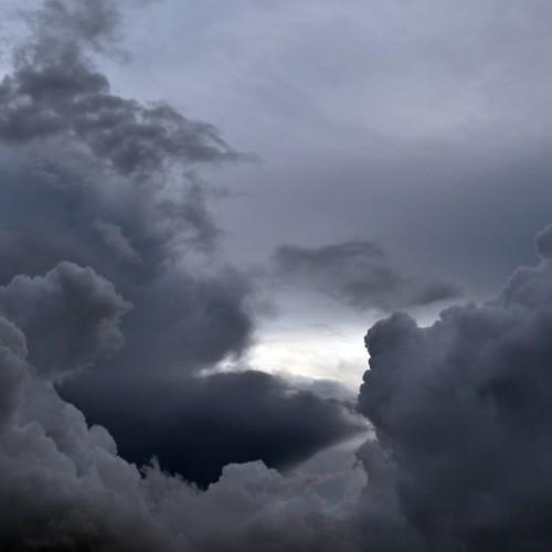 Previsão aponta possibilidade de chuva nesta véspera de Ano Novo