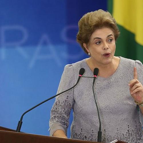 Existem dois chefes do 'golpe, da farsa e da traição', acusa Dilma