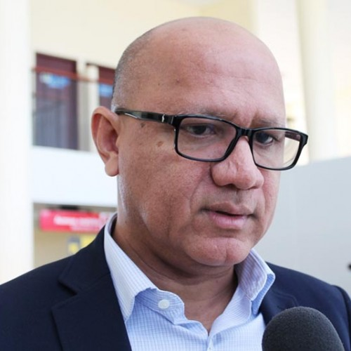 Uespi deve realizar concurso público para professores em 2017, diz secretário