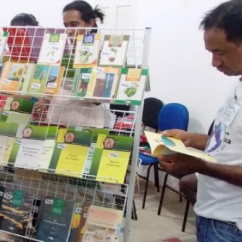 Embrapa doa minibibliotecas para 39 municípios do Piauí. Veja quais!