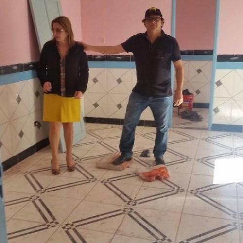 Prefeita Mocinha e Erasmo Sousa visitam reconstrução de Posto de Saúde; obras estão em fase de conclusão