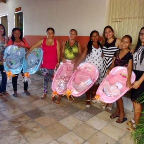 Gestantes de Patos do Piauí recebem orientações e enxoval