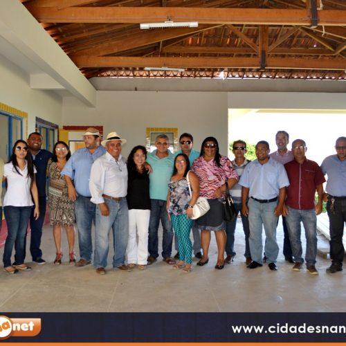 Prefeita Waldelina e comitiva visitam  mais dez obras no município de Jaicós