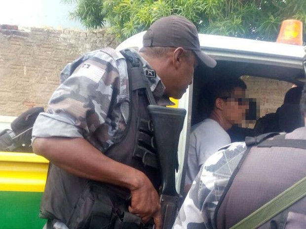 Dupla é presa durante assalto a agência dos Correios