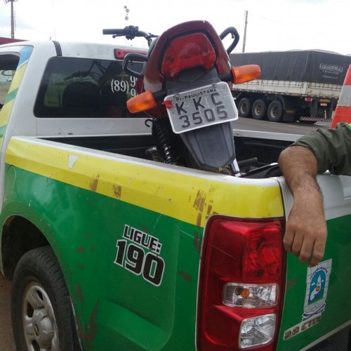 Moto é roubada no início de manhã e recuperada uma hora depois pela polícia de Paulistana