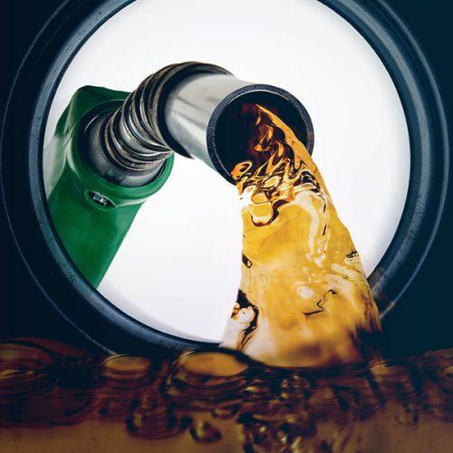Gasolina acumula alta de 45,7% nas refinarias do Brasil
