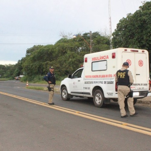 PRF flagra ambulância com porta sem trava de segurança e DPVAT atrasado