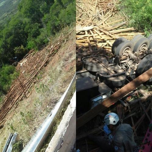 Caminhoneiro morre ao tombar veículo no bairro Altamira, em Picos; veja fotos