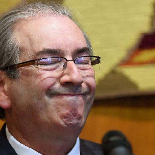 Câmara cassa mandato do deputado Eduardo Cunha por 450 a 10 votos