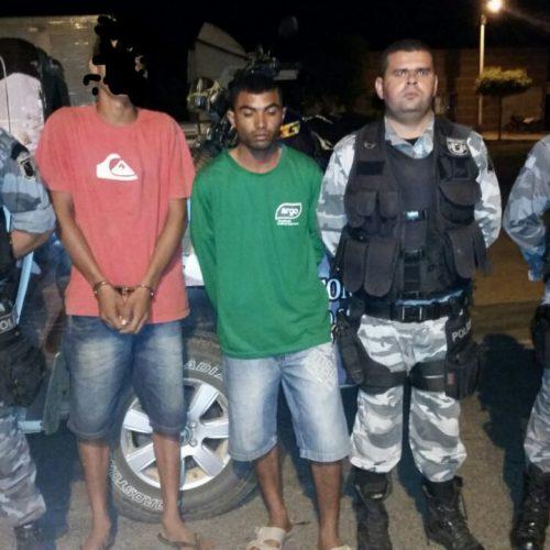 Força Tática prende dupla transportando 1kg de maconha para Paulistana